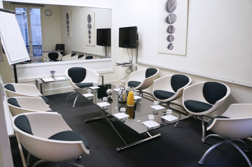 Salles de r union de consommateurs for Decoration salle de reunion